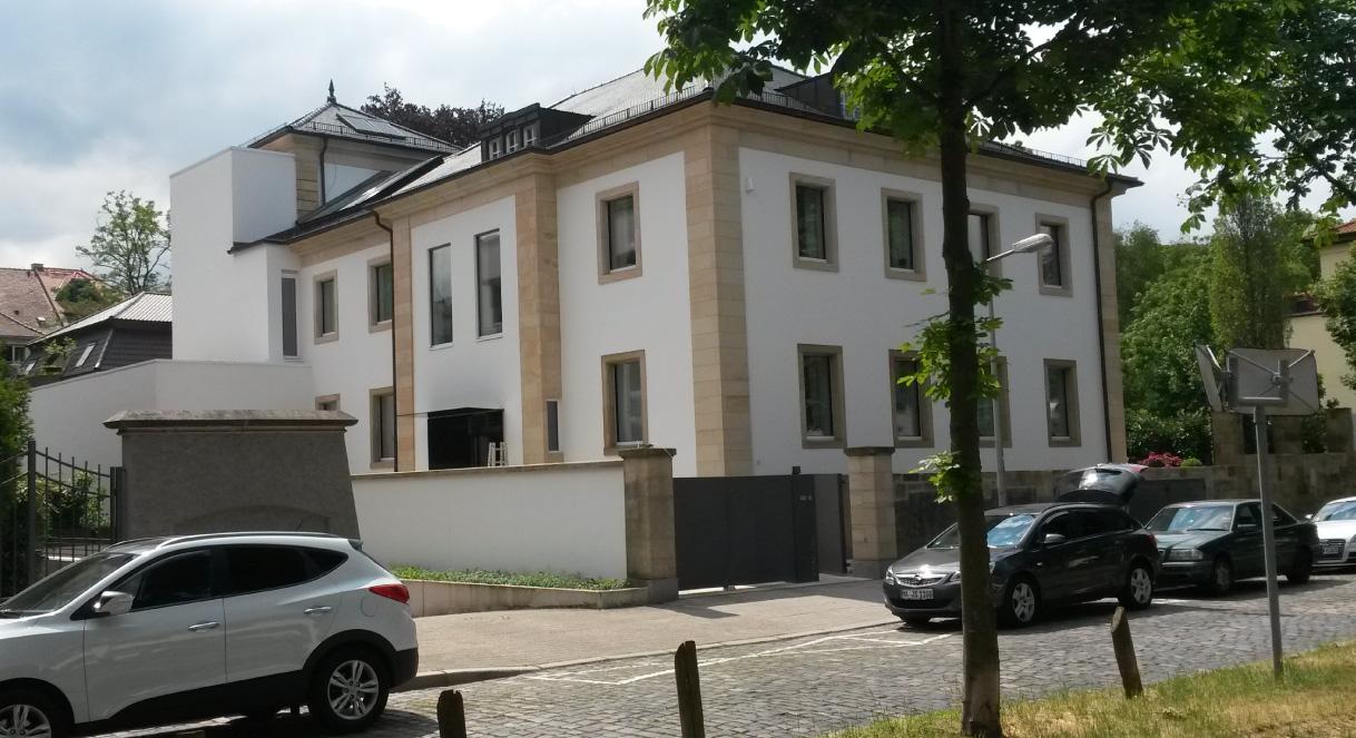 Hum-ID Neubau Privathaus Mannheim Flachdach Wässerung